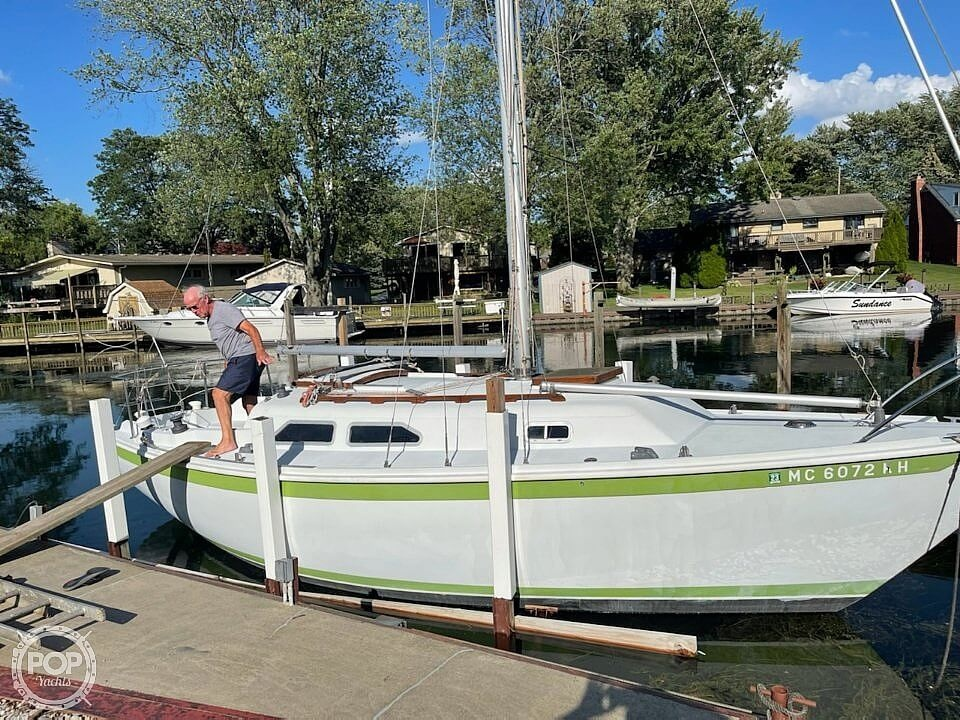 1976 Ericson Yachts boat for sale, model of the boat is 27 & Image # 2 of 35