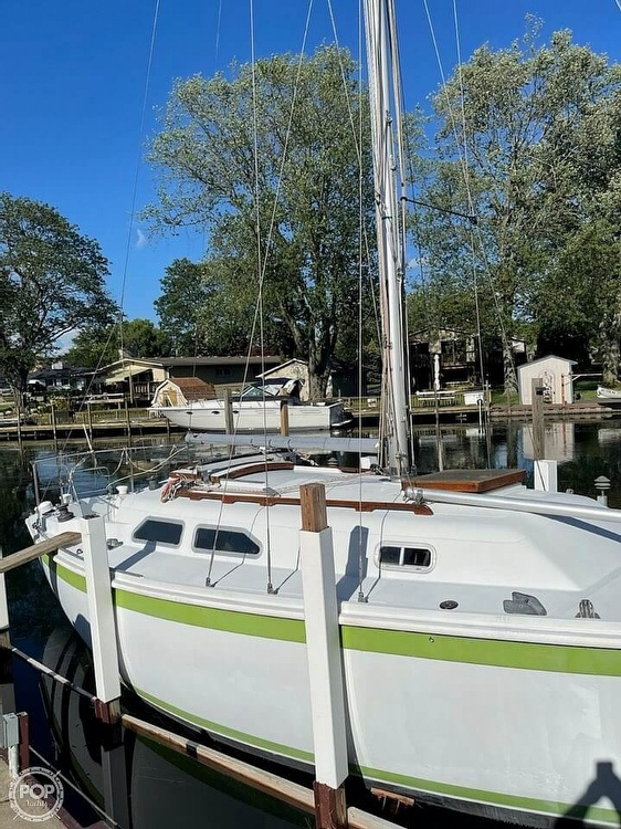 1976 Ericson Yachts boat for sale, model of the boat is 27 & Image # 4 of 35