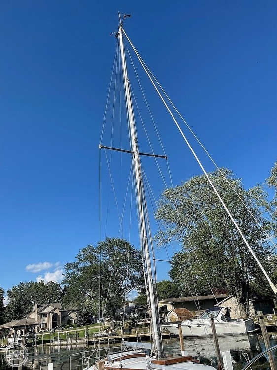 1976 Ericson Yachts boat for sale, model of the boat is 27 & Image # 5 of 35