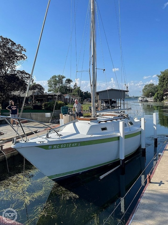 1976 Ericson Yachts boat for sale, model of the boat is 27 & Image # 6 of 35