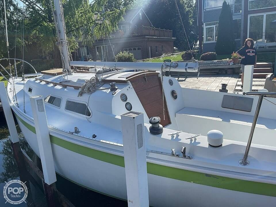 1976 Ericson Yachts boat for sale, model of the boat is 27 & Image # 7 of 35