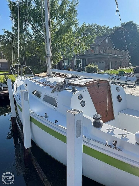 1976 Ericson Yachts boat for sale, model of the boat is 27 & Image # 10 of 35