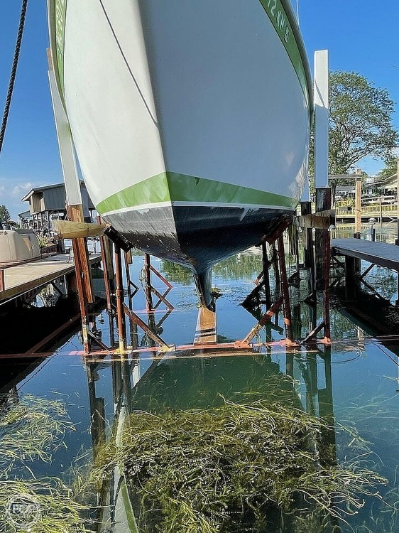 1976 Ericson Yachts boat for sale, model of the boat is 27 & Image # 13 of 35