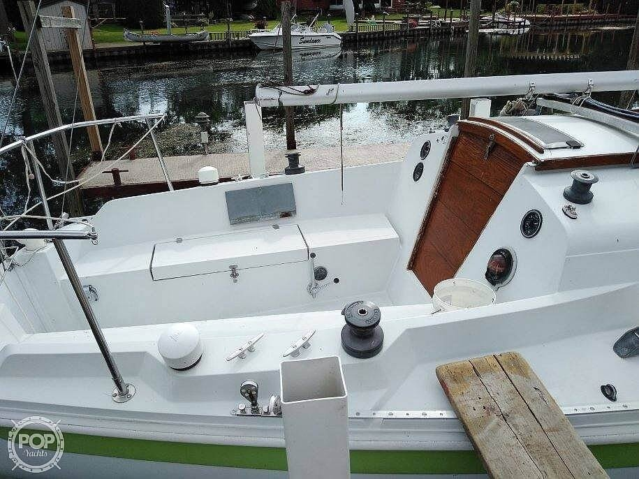1976 Ericson Yachts boat for sale, model of the boat is 27 & Image # 27 of 35