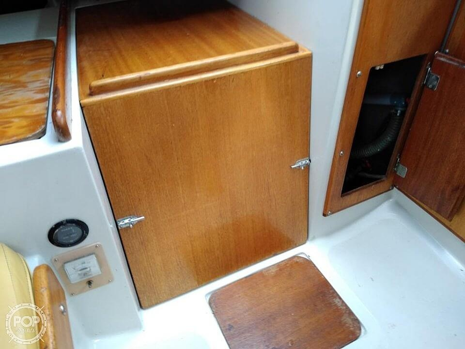 1976 Ericson Yachts boat for sale, model of the boat is 27 & Image # 29 of 35