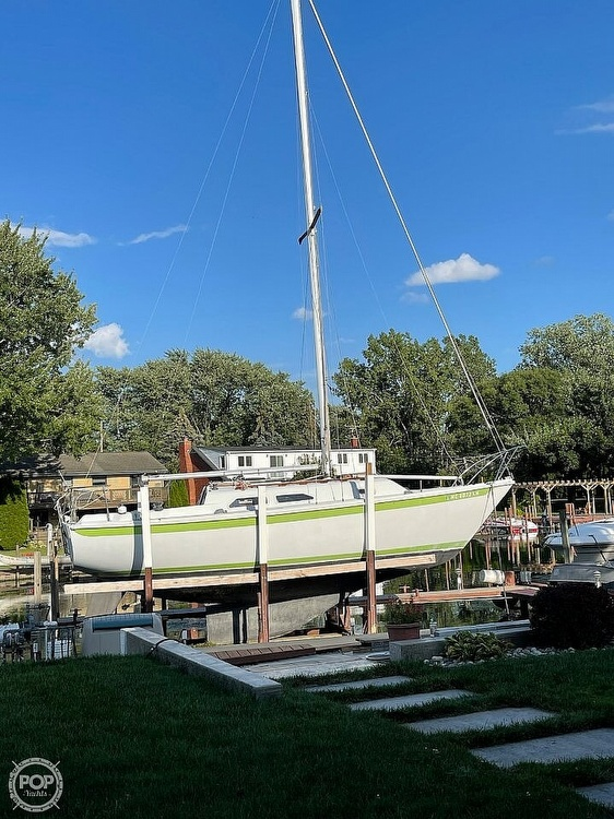 1976 Ericson Yachts boat for sale, model of the boat is 27 & Image # 31 of 35