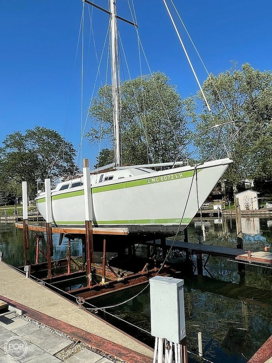 1976 Ericson Yachts boat for sale, model of the boat is 27 & Image # 34 of 35
