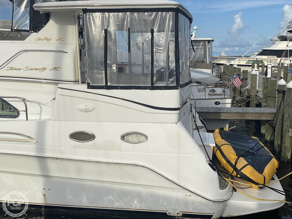 1998 Sea Ray boat for sale, model of the boat is 370 Aft Cabin & Image # 21 of 40