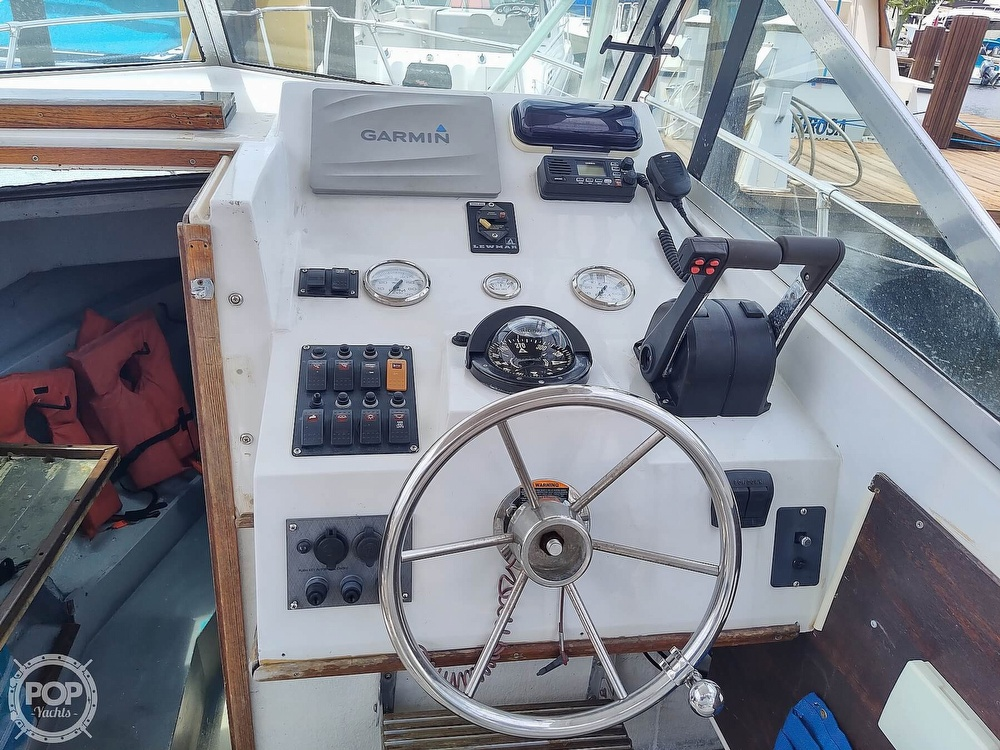 1986 Grady-White boat for sale, model of the boat is 25 Trophy Pro & Image # 4 of 40