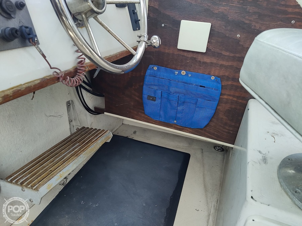 1986 Grady-White boat for sale, model of the boat is 25 Trophy Pro & Image # 31 of 40