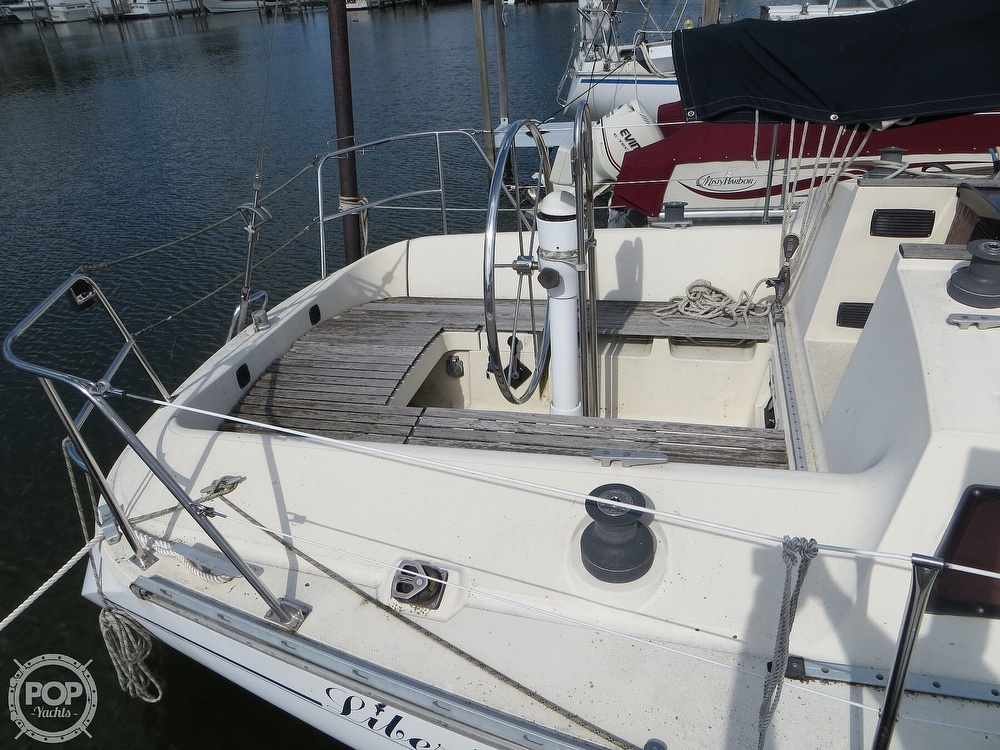 1986 Jeanneau boat for sale, model of the boat is Sun Rise 34 & Image # 2 of 40