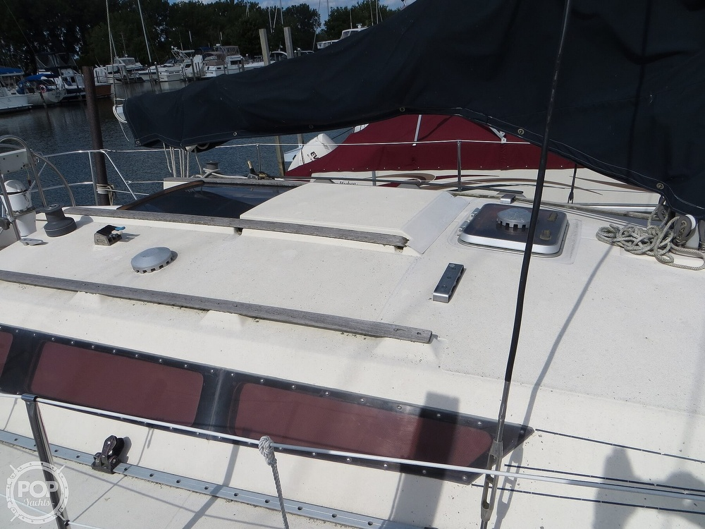 1986 Jeanneau boat for sale, model of the boat is Sun Rise 34 & Image # 3 of 40