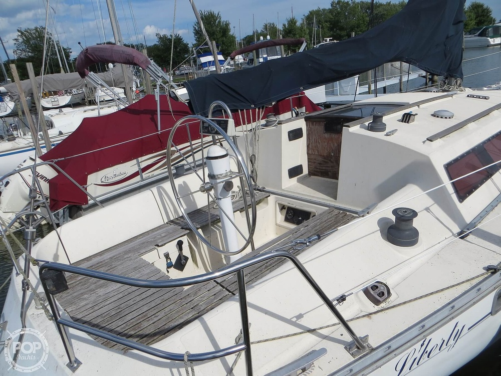 1986 Jeanneau boat for sale, model of the boat is Sun Rise 34 & Image # 15 of 40