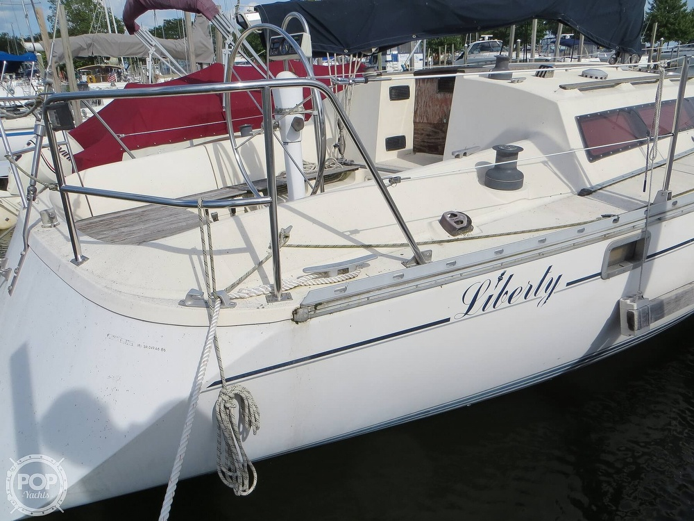 1986 Jeanneau boat for sale, model of the boat is Sun Rise 34 & Image # 25 of 40