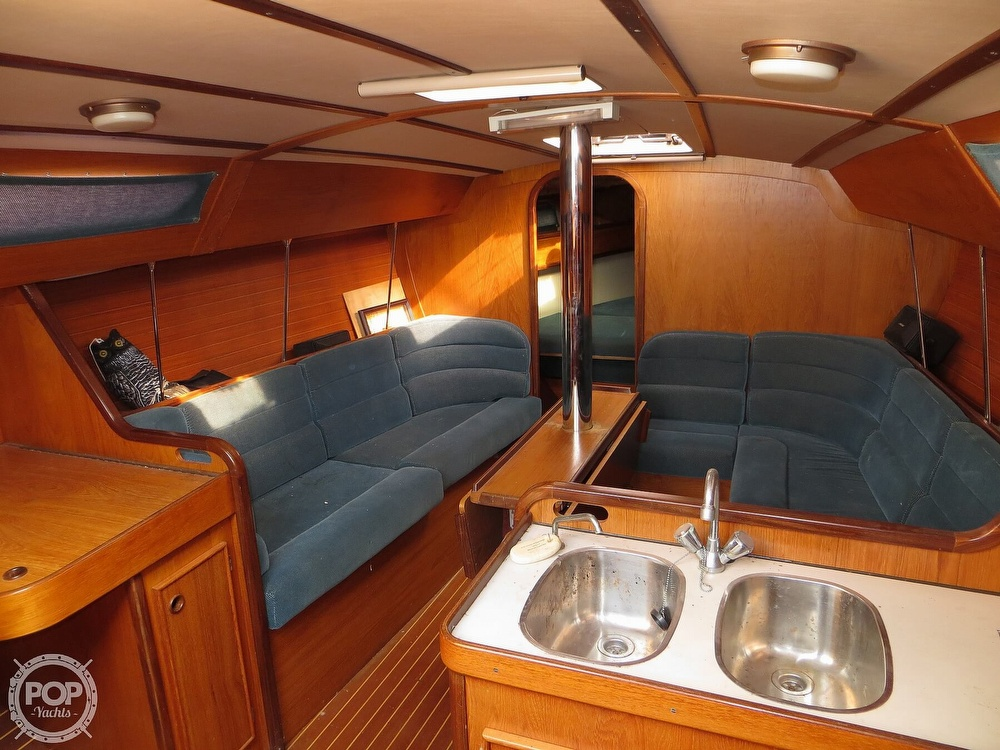 1986 Jeanneau boat for sale, model of the boat is Sun Rise 34 & Image # 4 of 40
