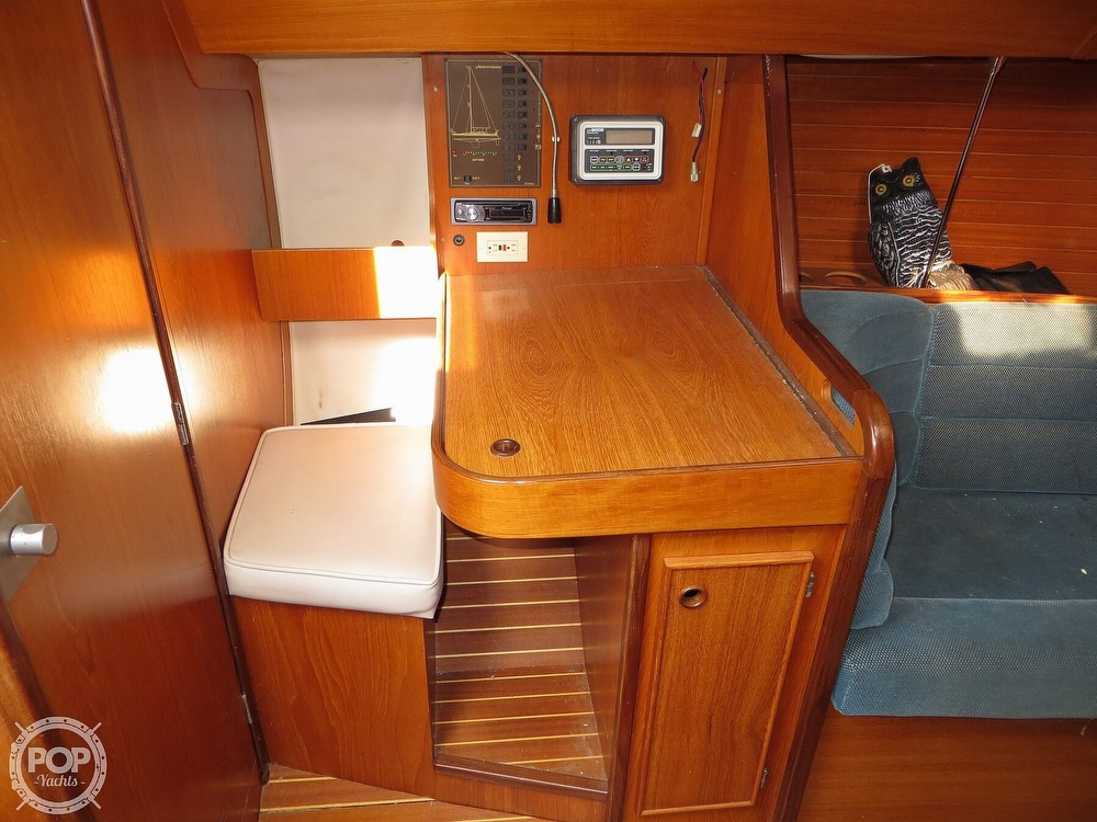 1986 Jeanneau boat for sale, model of the boat is Sun Rise 34 & Image # 5 of 40