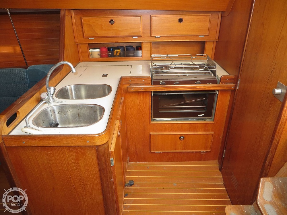 1986 Jeanneau boat for sale, model of the boat is Sun Rise 34 & Image # 6 of 40