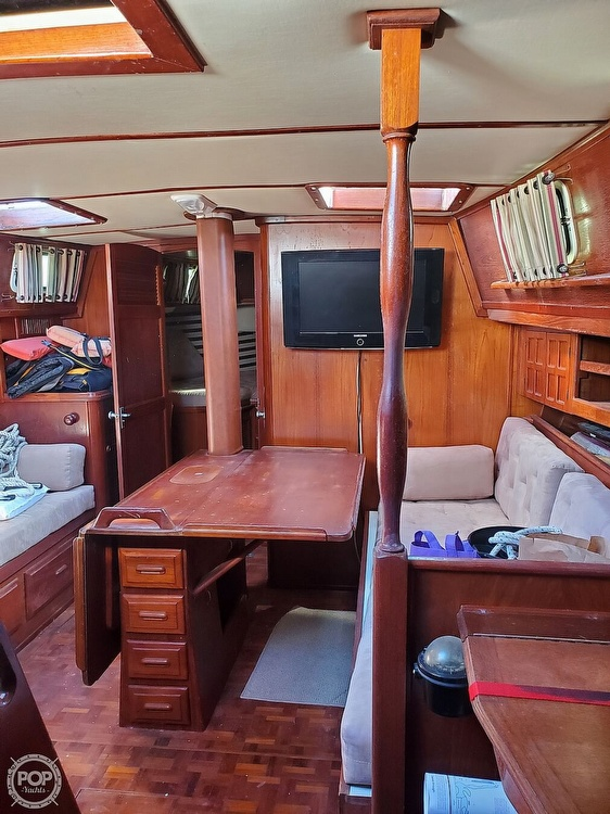 1984 Endeavour boat for sale, model of the boat is 40 & Image # 12 of 40