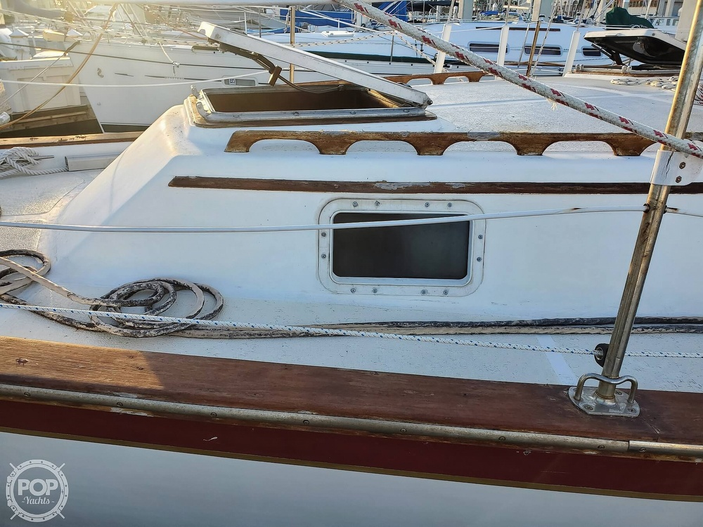 1984 Endeavour boat for sale, model of the boat is 40 & Image # 16 of 40