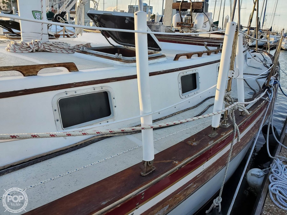 1984 Endeavour boat for sale, model of the boat is 40 & Image # 17 of 40