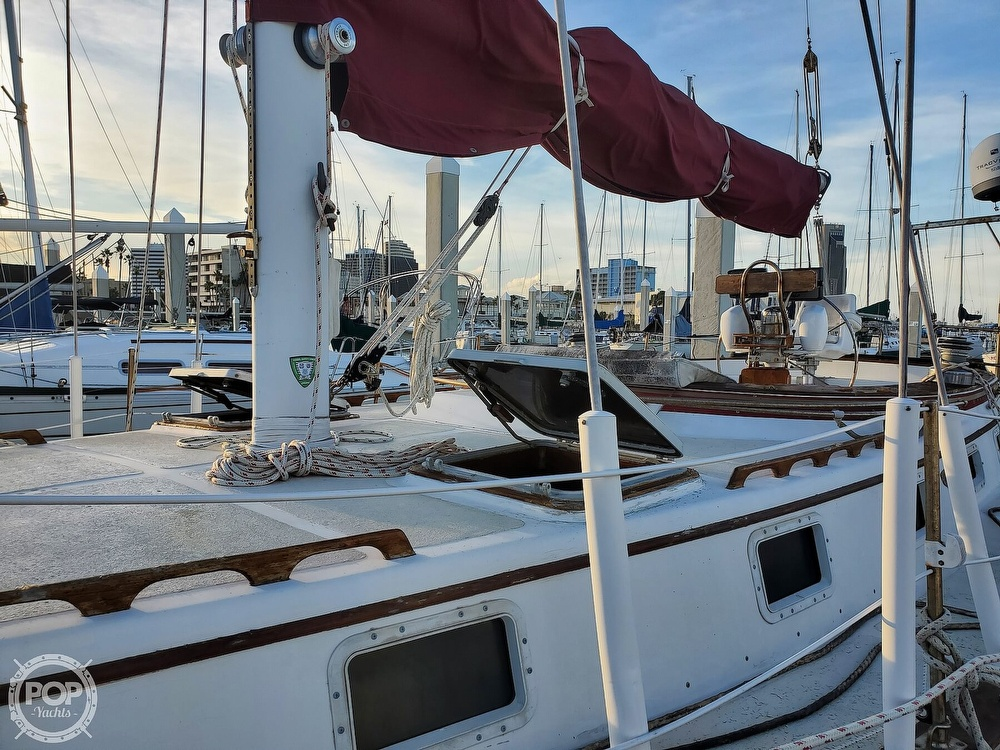 1984 Endeavour boat for sale, model of the boat is 40 & Image # 18 of 40