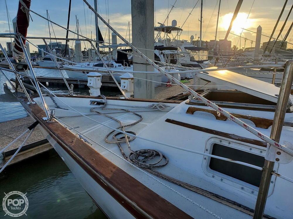 1984 Endeavour boat for sale, model of the boat is 40 & Image # 19 of 40