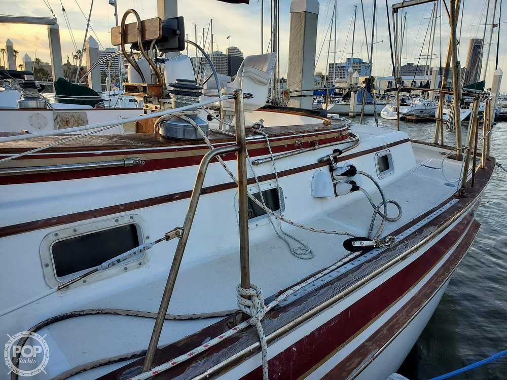 1984 Endeavour boat for sale, model of the boat is 40 & Image # 20 of 40