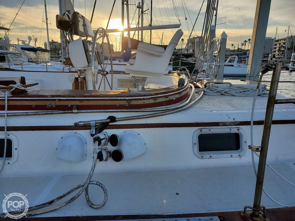 1984 Endeavour boat for sale, model of the boat is 40 & Image # 21 of 40