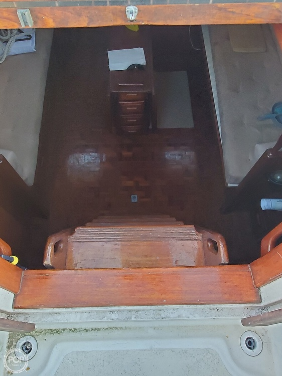 1984 Endeavour boat for sale, model of the boat is 40 & Image # 33 of 40
