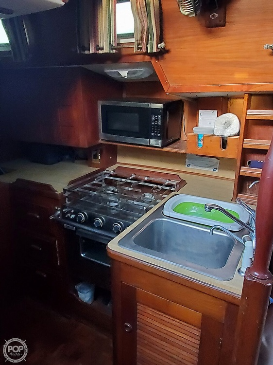 1984 Endeavour boat for sale, model of the boat is 40 & Image # 34 of 40