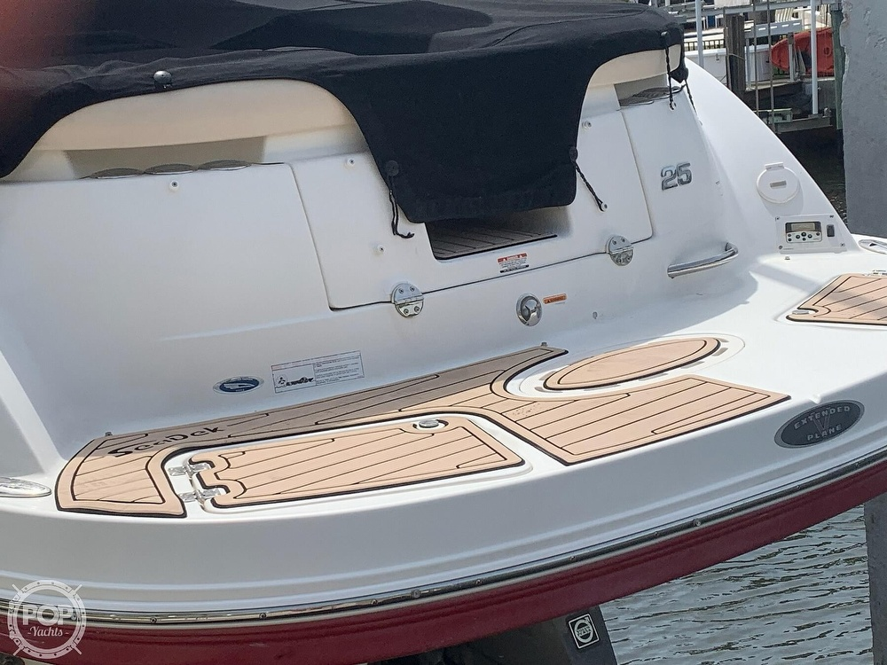 2007 Chaparral boat for sale, model of the boat is 256 SSI & Image # 14 of 40