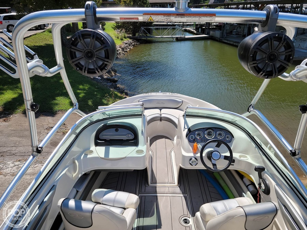 2010 Sea Ray boat for sale, model of the boat is 205 Sport & Image # 8 of 40