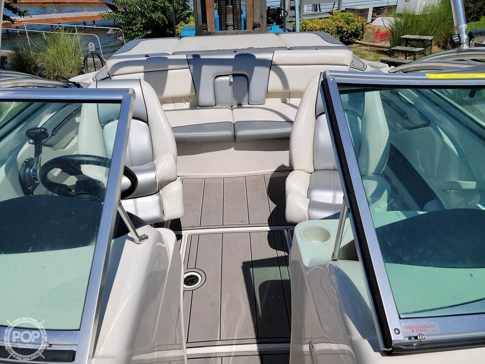2010 Sea Ray boat for sale, model of the boat is 205 Sport & Image # 9 of 40