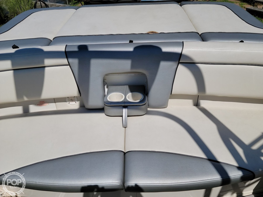 2010 Sea Ray boat for sale, model of the boat is 205 Sport & Image # 35 of 40