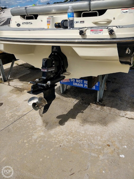 2010 Sea Ray boat for sale, model of the boat is 205 Sport & Image # 6 of 40