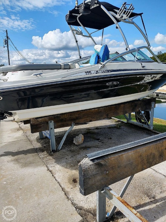 2010 Sea Ray boat for sale, model of the boat is 205 Sport & Image # 2 of 40