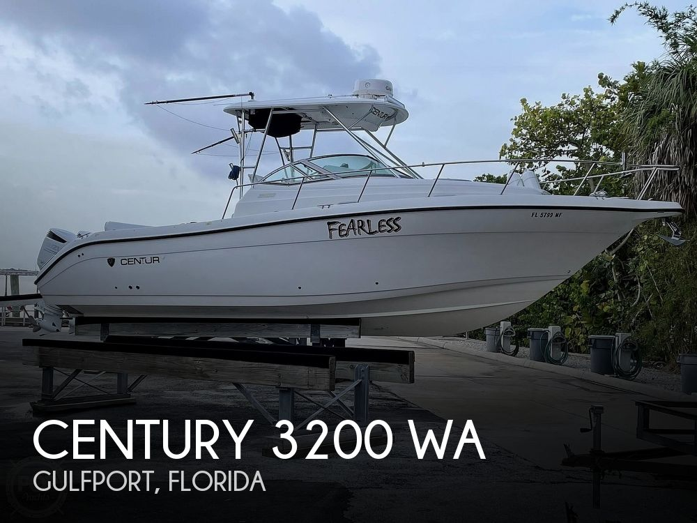 Used Power boats For Sale in Tampa, Florida by owner | 2004 Century 3200 WA