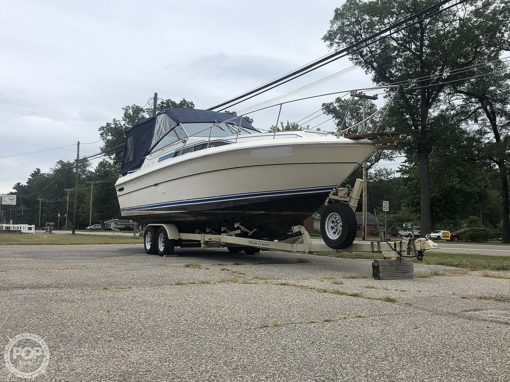1984 Sea Ray boat for sale, model of the boat is 270 Sundancer & Image # 11 of 40