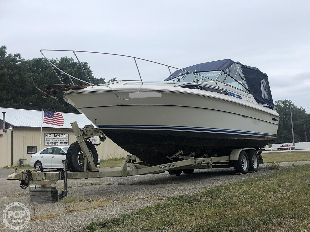 1984 Sea Ray boat for sale, model of the boat is 270 Sundancer & Image # 15 of 40