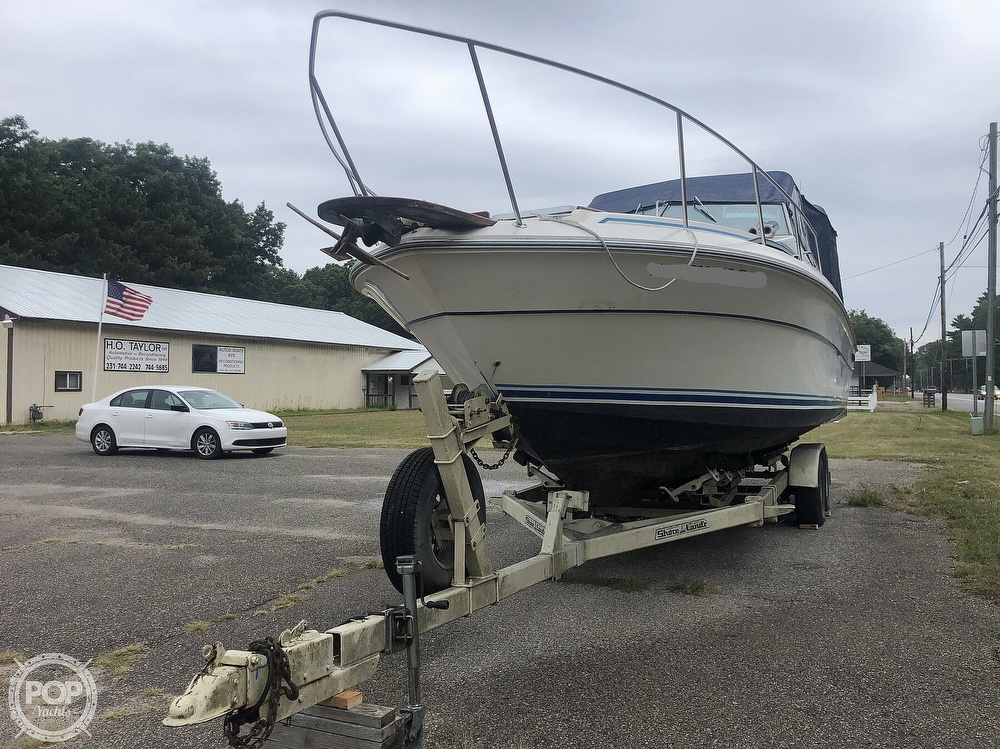 1984 Sea Ray boat for sale, model of the boat is 270 Sundancer & Image # 25 of 40