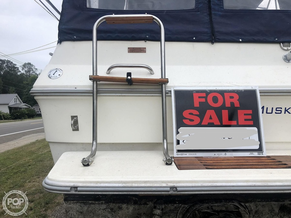 1984 Sea Ray boat for sale, model of the boat is 270 Sundancer & Image # 29 of 40