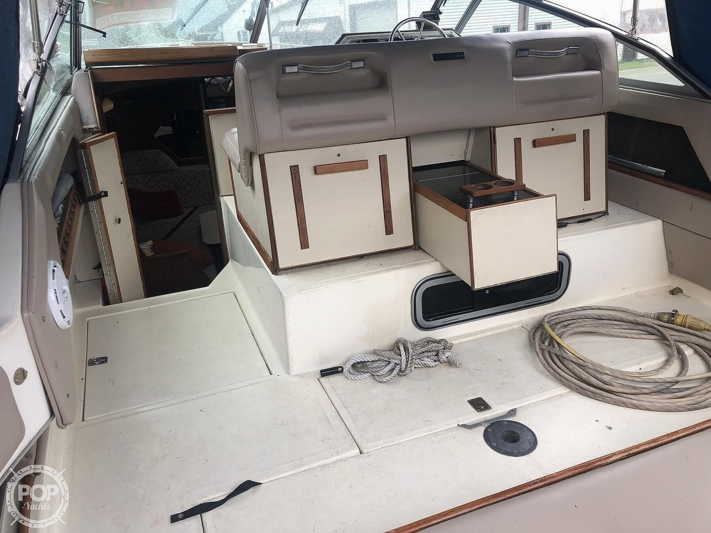 1984 Sea Ray boat for sale, model of the boat is 270 Sundancer & Image # 34 of 40