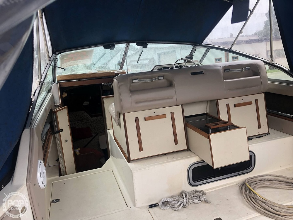 1984 Sea Ray boat for sale, model of the boat is 270 Sundancer & Image # 35 of 40