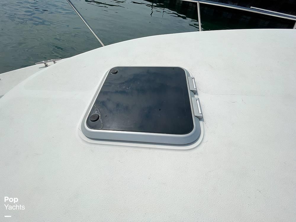 1995 Rinker boat for sale, model of the boat is 265 Fiesta Vee & Image # 15 of 40