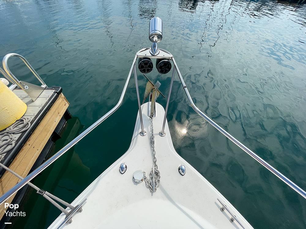 1995 Rinker boat for sale, model of the boat is 265 Fiesta Vee & Image # 16 of 40