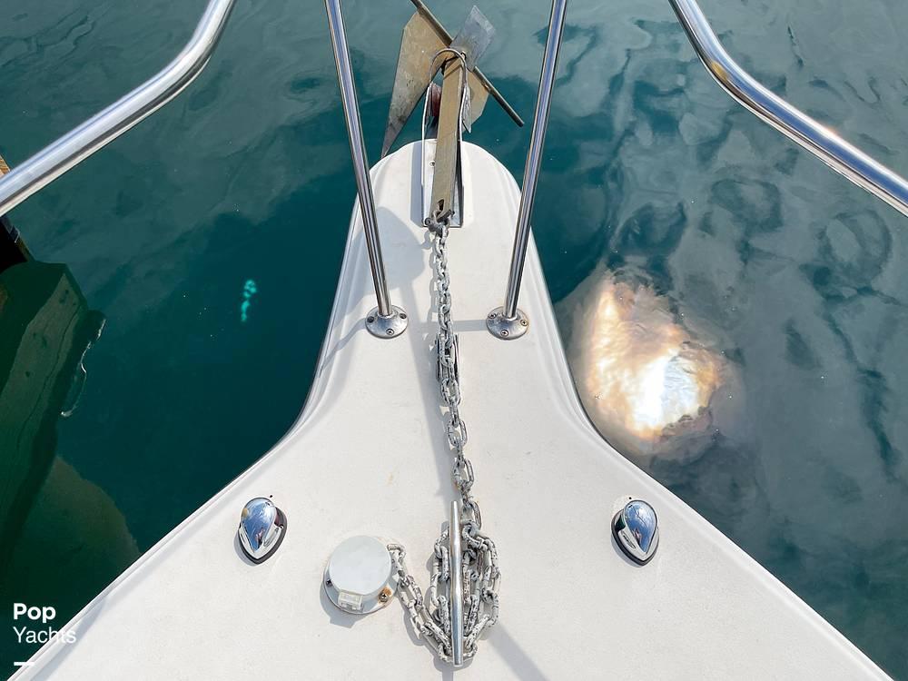1995 Rinker boat for sale, model of the boat is 265 Fiesta Vee & Image # 17 of 40