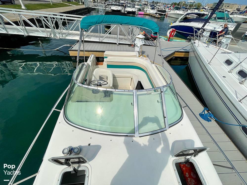 1995 Rinker boat for sale, model of the boat is 265 Fiesta Vee & Image # 21 of 40