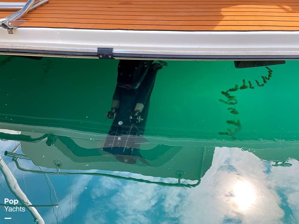 1995 Rinker boat for sale, model of the boat is 265 Fiesta Vee & Image # 25 of 40