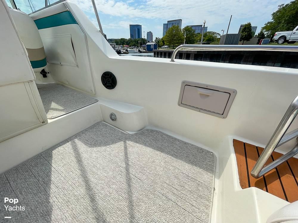 1995 Rinker boat for sale, model of the boat is 265 Fiesta Vee & Image # 34 of 40