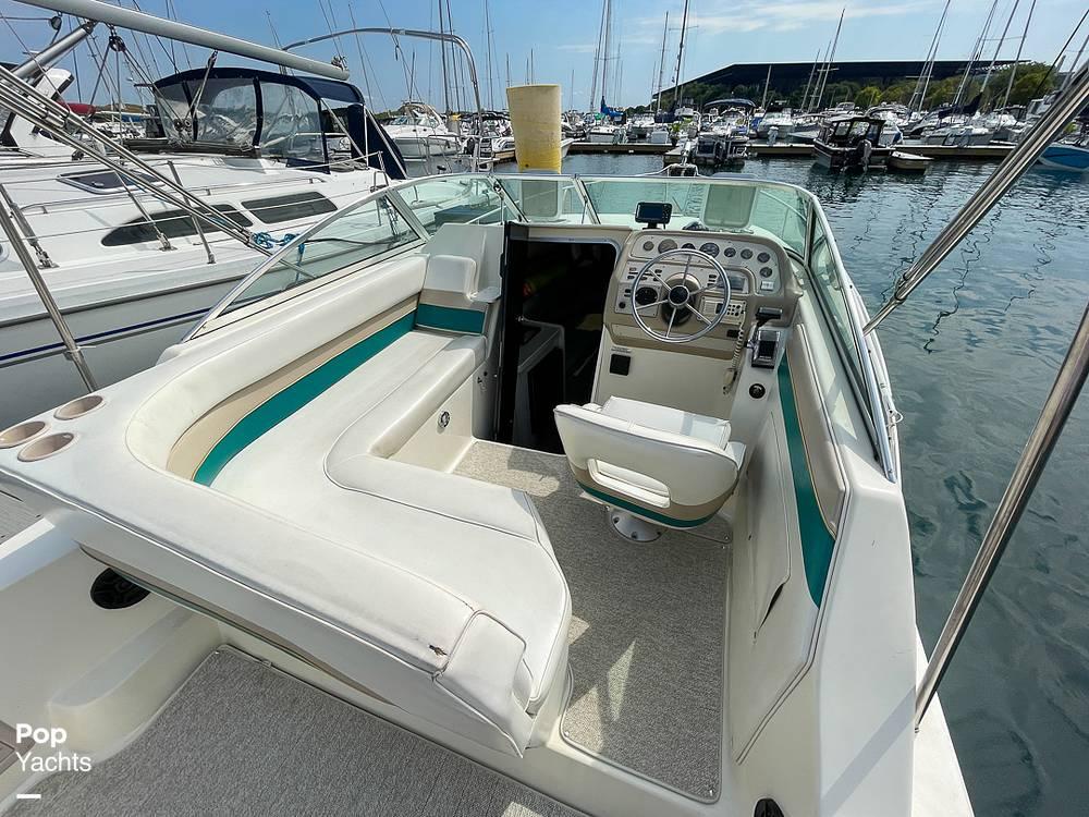 1995 Rinker boat for sale, model of the boat is 265 Fiesta Vee & Image # 36 of 40